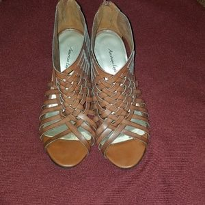 Brown strappy sandal wedges size 6.5 W